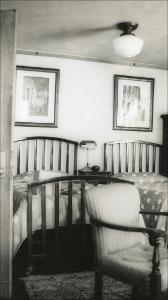 Neely_006_Diehl_Bedroom_in_Neely_1949.jpg.jpg