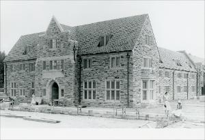 Margaret_Townsend_Hall_007_Construction_Near_Complete_1961.jpg.jpg