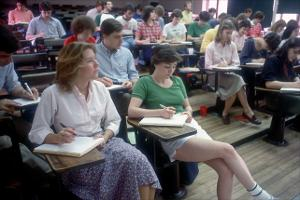 students in class_c1988_(24).jpg.jpg