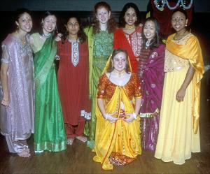 Diwali_women_group_photo_20001102.jpg.jpg