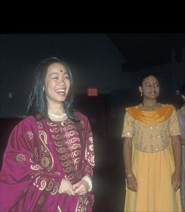Diwali_Students_in_traditional_dress_20001102.jpg.jpg