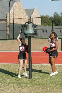 Homecoming 2006 Football_cheerleaders_bell_242.jpg.jpg