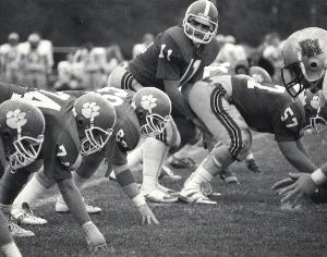 PF_ATHL_Football_action_1985_03.JPG.jpg