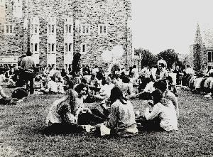 Life_early_1970s_students_outside.JPG.jpg