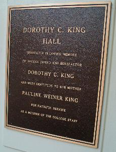 King_dorothy_plaque_2004.jpg.jpg