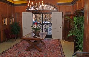 King_hall_entryway_2004_02.jpg.jpg