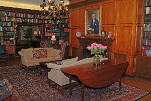 King_hall_parlor_2004.jpg.jpg