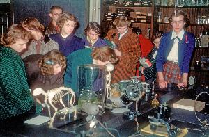 Life_1952_Biology_science  openhouse_004.jpg.jpg