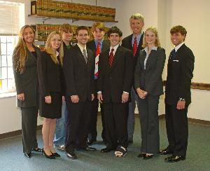 Mock_trial_team_20040413_002.jpg.jpg