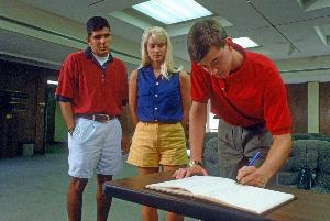 1986students_signing_honor_code_002.jpg.jpg