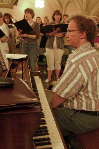 Ramsey_david_Carnegie_master singers in background_Cenicola A_20040611.jpg.jpg