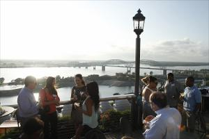 1Young_Alumni_Rooftop_Party_Madison_Hotel_20100713.jpg.jpg