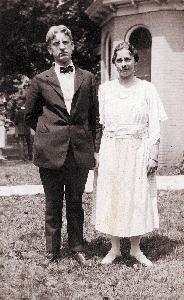 Diehl_Charles and Catherine_c1922_002.jpg.jpg