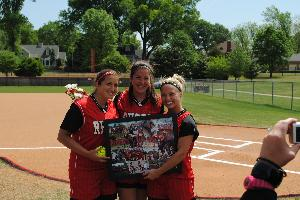 Softball_SeniorDay_2010_57.JPG.jpg