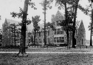 campus_kennedy_hall_c1925.jpg.jpg