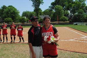 Softball_SeniorDay_2010_62.JPG.jpg