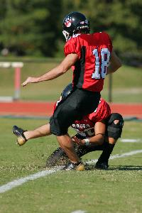 Homecoming 2006 Footbal_kicker_143.jpg.jpg