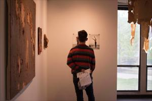 20150410_chgallery_juried_student_exhibit_15.jpg.jpg